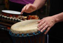Bei den Schlawinern startet ein neuer Trommelkurs mit Heinz-Willi Bissels als Trommellehrer.