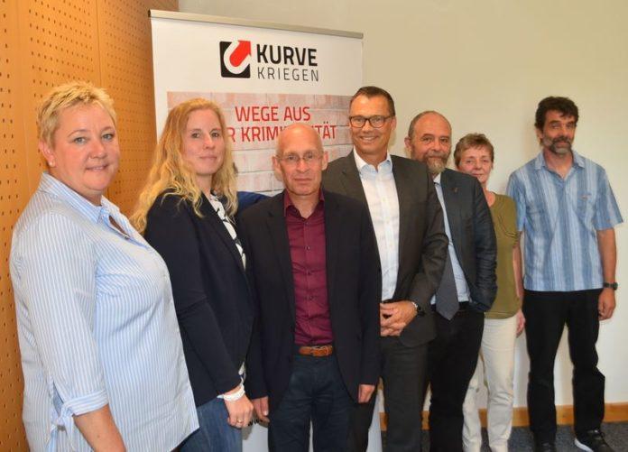 Kirsten Maesch, Karoline Krosse, Dr. Stefan Kühn, Markus Röhrl, Jan Welzel, Barbara Reul-Nocke, Andreas Bredemeier (v.l.). Foto offiziell