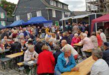 inen deutlich größeren Andrang als in den letzten Jahren konnte der Lüttringhauser Treff verzeichnen, unter dessen Motto der erste Tag des Summerfestivals stand. Foto: Sascha von Gerishem