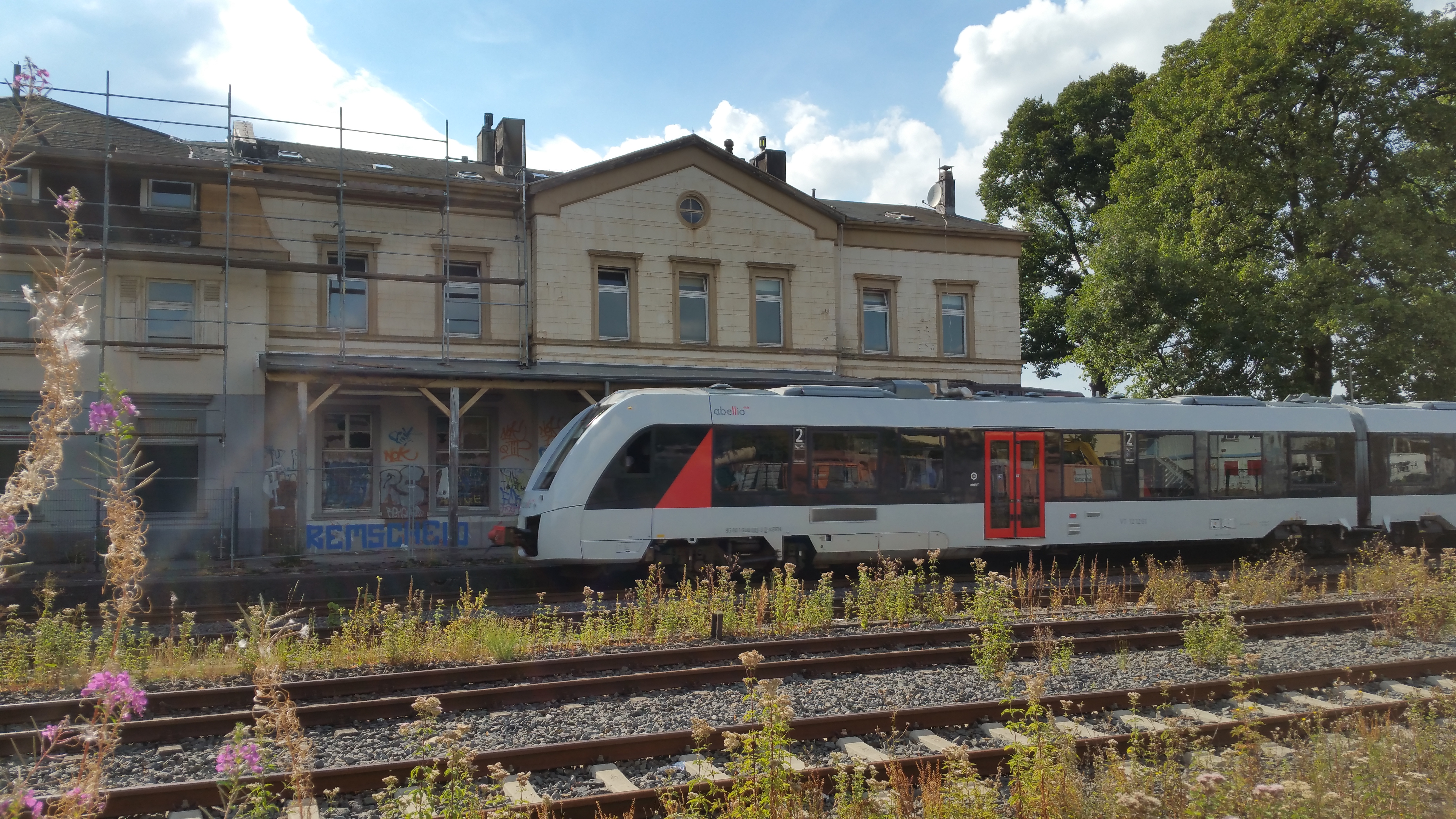 Für den Bahnhof ist der Zug noch nicht abgefahren, Zusteigende sind noch gern gesehen. Foto: Sascha von Gerishem