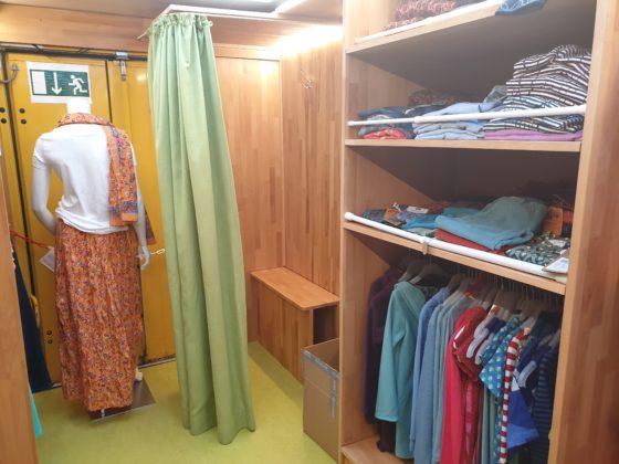 Das Gefairt hat sogar eine Umkleidekabine. Foto: Sascha von Gerishem