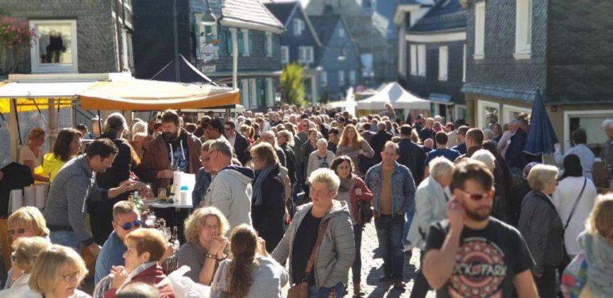 Herbst- und Bauernmarkt Lüttringhausen 2018, Marketingrat. Foto Sascha von Gerishem
