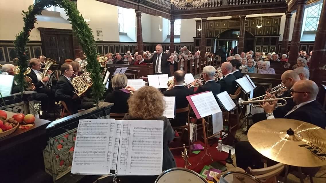 Das Jubiläumsjahr des Posaunenchor Lüttringhausen endete mit dem Festgottesdienst zu Erntedank. Foto: Posaunenchor Lüttringhausen