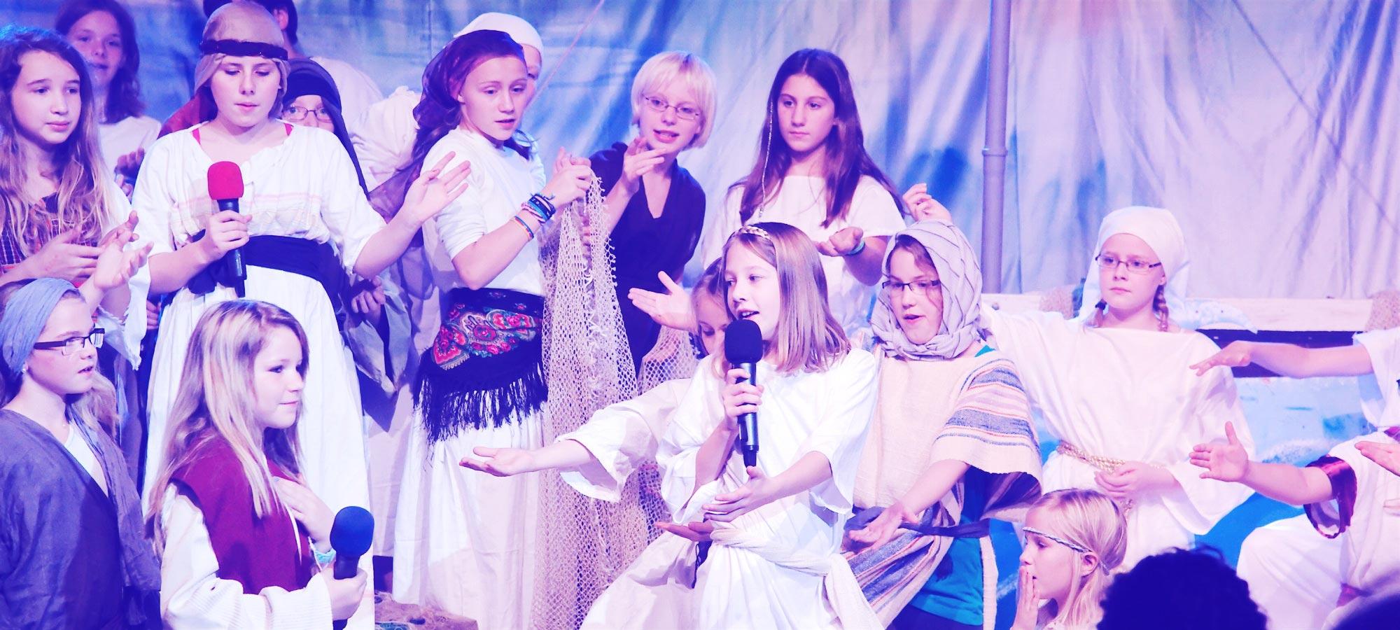 Szene aus dem Familienmusical Marta und Maria - zwei ungleiche Schwestern. Foto: WDL