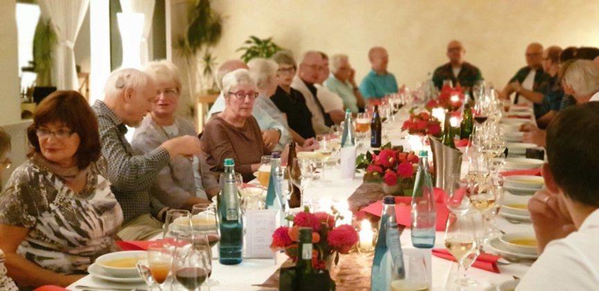 Impressionen vom 4. Dinner für Donkorkrom im CVJM-Haus Lüttringhausen. Foto: Sascha von Gerishem