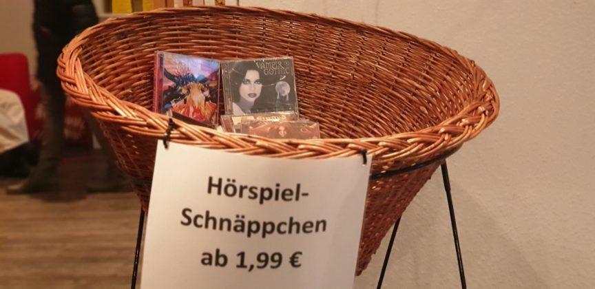 Hörbücher zum Schnäppchenpreis auf der Lüttringhauser Kreuzbergstraße. Foto: Sascha von Gerishem