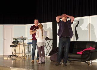 Norbert Becker, Ute Joho und Oliver Hecker (v.l.) brachten das Publikum wieder zum Weinen vor Freude. Foto: Sascha von Gerishem