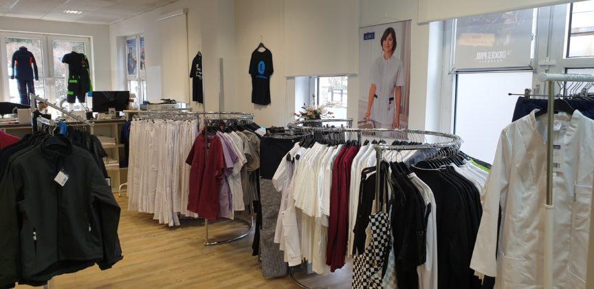 Ärzte und Pflegepersonal finden eine große Auswahl an passender Arbeitskleidung bei Kotthaus in Lüttringhausen. | Foto: Sascha von Gerishem