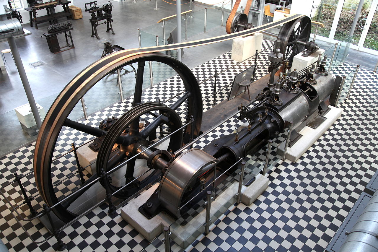 Dampfmaschine im Deutschen Werkzeugmuseum. | Foto: Frank Vincentz [CC BY-SA 3.0 (https://creativecommons.org/licenses/by-sa/3.0)]