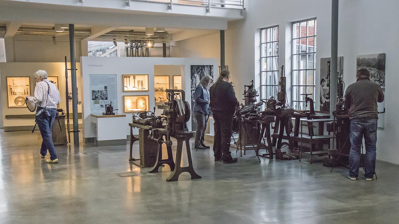 Workshop im Deutschen Werkzeugmuseum. | Foto: Juudo-Fotografie / Udo Bintakies