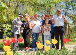 Das Team von AWO und SPD sorgte dafür, dass die Kinder im Rosengarten immer genügend Ostereier fanden. | Fotos (2): Sascha von Gerishem