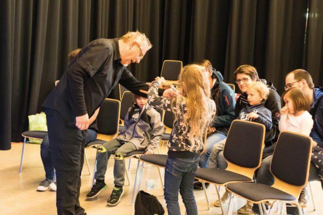 Puppenspieler Markus Heip begeistert nicht nur Kinder. Foto: Juudo-Fotografie