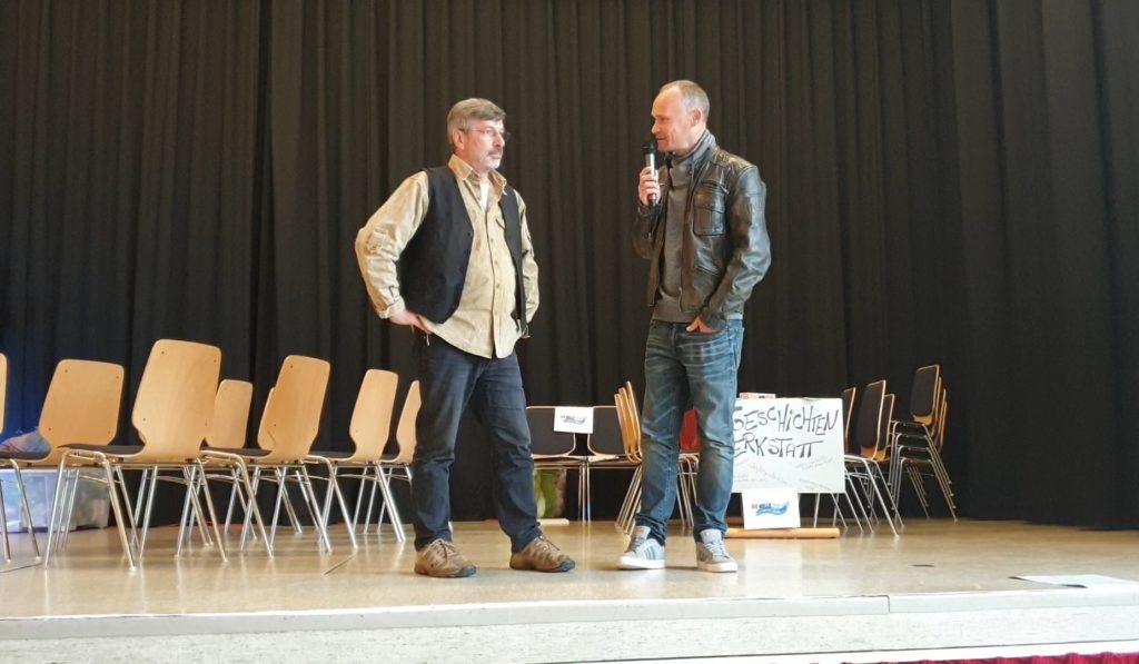 Bürgermeister David Schichel im Gespräch mit Volker Beckmann. | Foto: Sascha von Gerishem