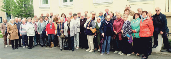 """Über 50 Remscheider pilgerten als """"große Familie"""" zum Gemeinschaftsgottesdienst nach Köln.   Foto: privat"""