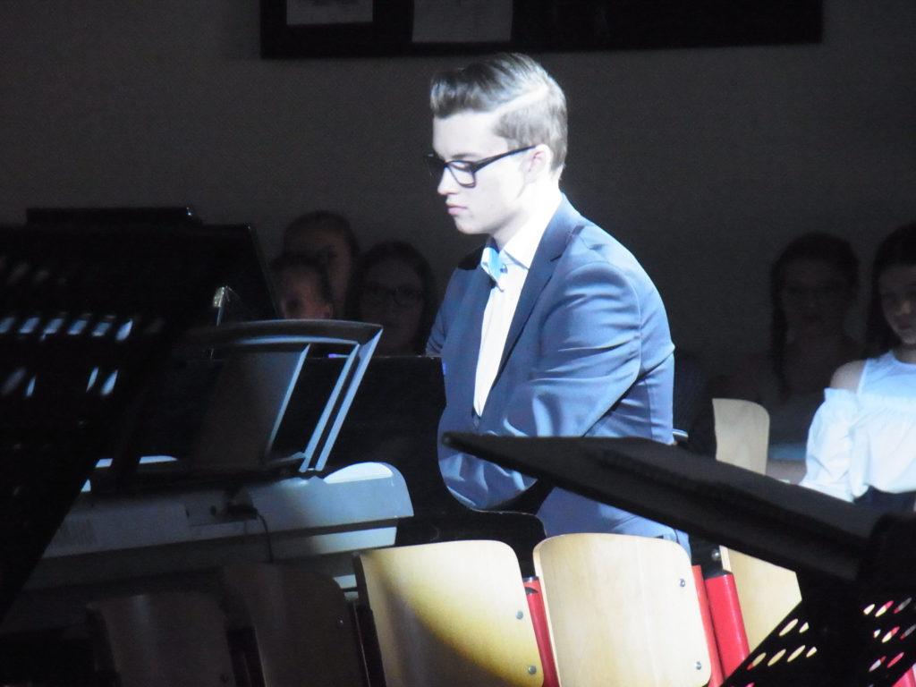 Tristan Schnalle spielte solo am Piano. Foto: Peter Klohs