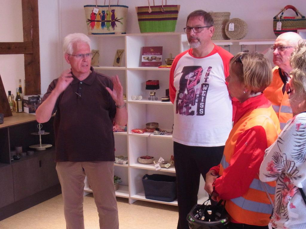 Johannes Haun begrüßt die Gäste. Foto: Peter Klohs