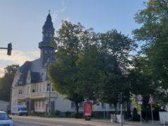 Das Lüttringhauser Rathaus, Kreuzbergstraße 15 in 42899 Remscheid-Lüttringhausen. Foto: Sascha von Gerishem