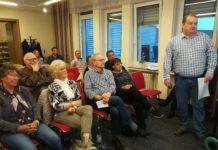 """Die SPD-Veranstaltung """"Stromsparcheck"""" bei der Caritas brachte dem Publikum zahlreiche praktische Tipps zum Energie- und Geldsparen. Foto: Antonio Scarpino"""