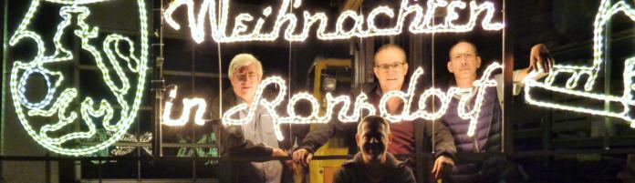 Die Ronsdorfer Werbegemeinschaft W.i.R. hat schon jetzt die Weihnachtsbeleuchtung repariert. Foto: W.i.R.