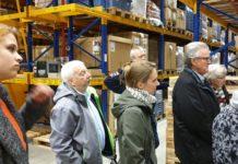 Rolf Haumann (2.v.l.), Grünen-Bezirksvertreter in Lennep, folgte der SPD-Einladung im Rahmen der Klimaschutzwochen zur GEPA. Foto: Sascha von Gerishem
