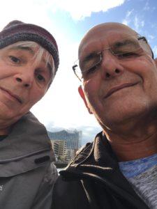 Jörg und Peter nehmen die Elbphilharmonie in die Mitte. Selfie: Peter Klohs
