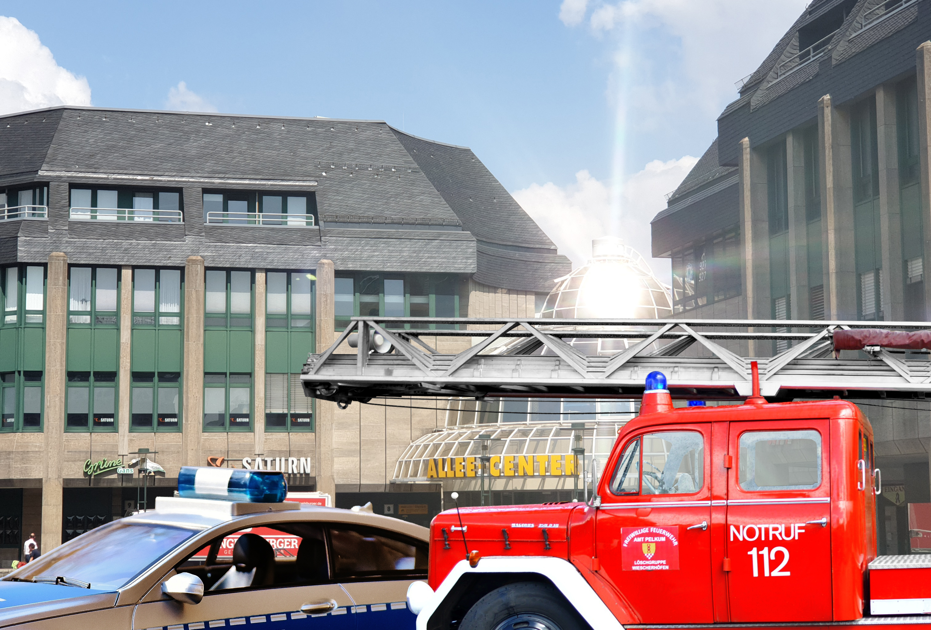 Am 6. Oktober 2019 gibt es auf dem Theodor-Heuss-Platz in Remscheid einen gemeinsamen Aktionstag von Polizei, Feuerwehr und Ordnungsamt. Fotomontage: Sascha von Gerishem