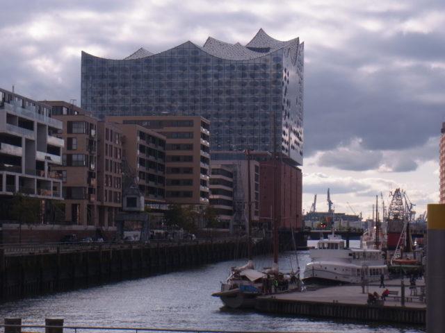 Blick von Süden auf die Elbphilharmonie in Hamburg. Foto: Peter Klohs