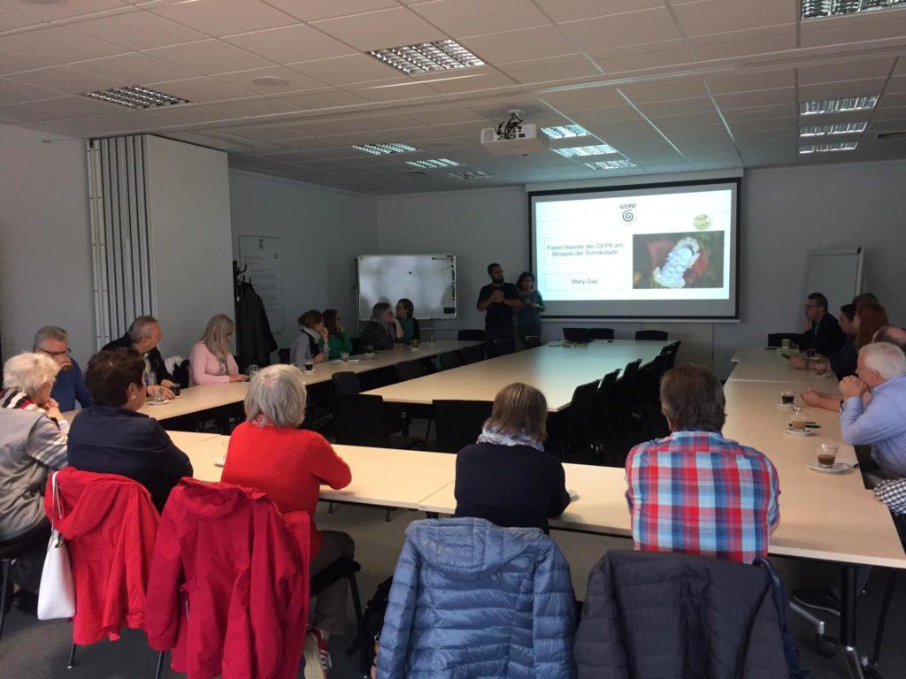 Bei der Fahrt der SPD Remscheid zur GEPA gab es einen ausführlichen Vortrag zu fairem Handel. Foto: SPD Remscheid