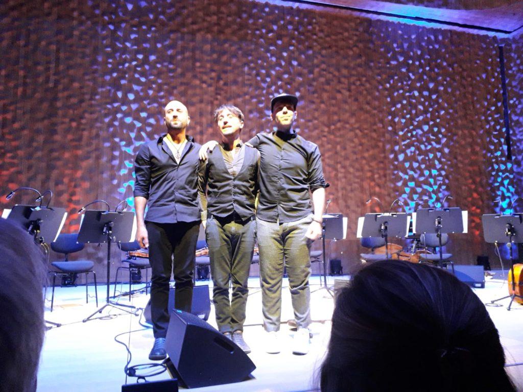 Nach der Arbeit Abholen der Standing Ovations. Kekko (l.) mit seinem Trio. Foto: Peter Klohs