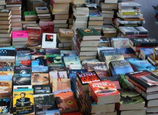 Büchermarkt. Foto: Gerd Altmann