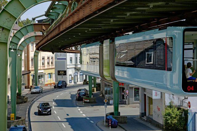 Die neuen Schwebebahnwagen in Wuppertal. Foto: Stephanie Albert