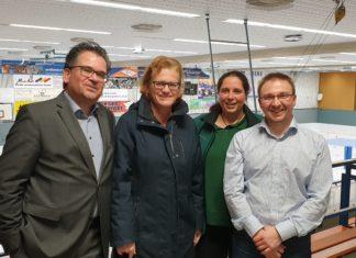 Die Freude ist groß: Georg Feldhoff, Uta Feldhoff, Nina Ducamp und Marius Mannel vom Orgateam der IGR Remscheid. Foto: Sascha von Gerishem