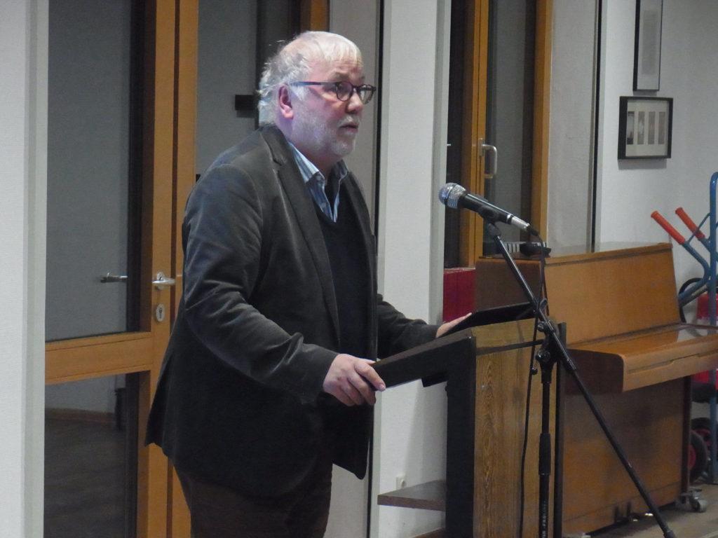 Prof. Dr. Ulrich Deinet bei den Lüttringhauser Gesprächen. Foto: Peter Klohs