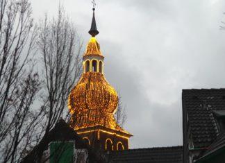 Die evangelische Stadtkirche Lennep steht am Kirchplatz 3 in 42897 Remscheid-Lennep. Foto: Sascha von Gerishem