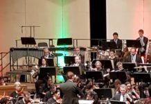 Die BErgischen Symphoniker beim Weihnachtskonzert 2019 im Teo Otto Theater in Remscheid. Foto: Steph Hoffmann - www.die-hoffmann.de