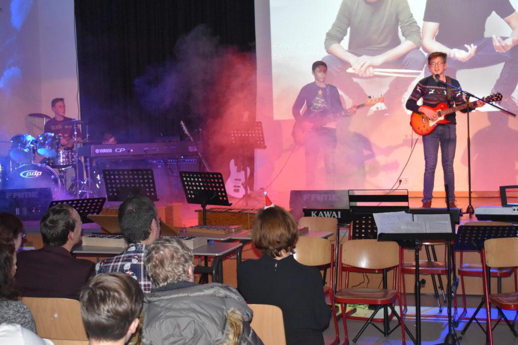 Eleven: Tom Schröder (Schlagzeug), Gian-Luca Villione (Bass), Benjamin Beck (Gitarre und Gesang) (v.l.). Foto: Peter Klohs