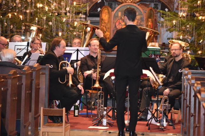 Philipp Jeßberger dirigiert. Foto: Peter Klohs