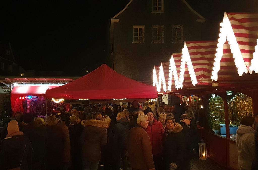 Um die Lenneper Altstadtbühne ist es besonders muckelig. Foto: Sascha von Gerishem