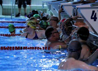 100x100 Meter in einem 25m-Becken bedeuten 400 Bahnen für Einzelschwimmer. Foto: Volker Schröer / www.sg-remscheid.de