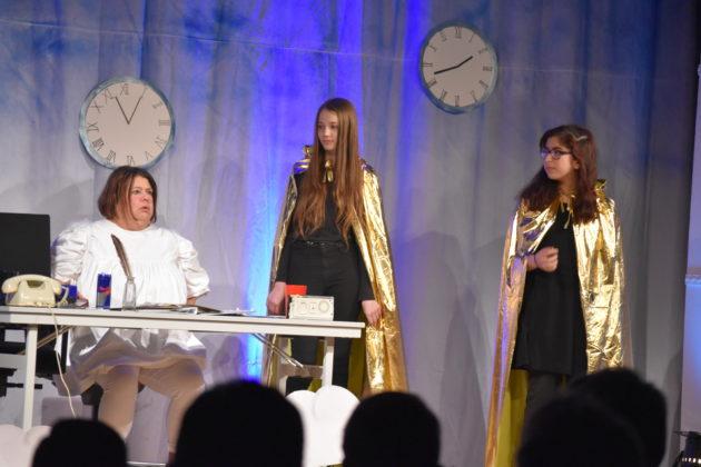 Steph Hoffmann, Lucy Schumacher und Ceyda Lekesiz (v.l.). Foto: Peter Klohs
