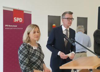 SPD-Vorsitzende Christine Krupp und Sven Wolf, MdL. Foto: Sascha von Gerishem