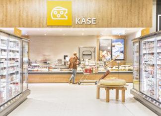 Nachhaltiger Einkauf an der Frischetheke: Kaufland ermöglicht überall das Mitbringen eigener Behälter. Foto: obs/Kaufland