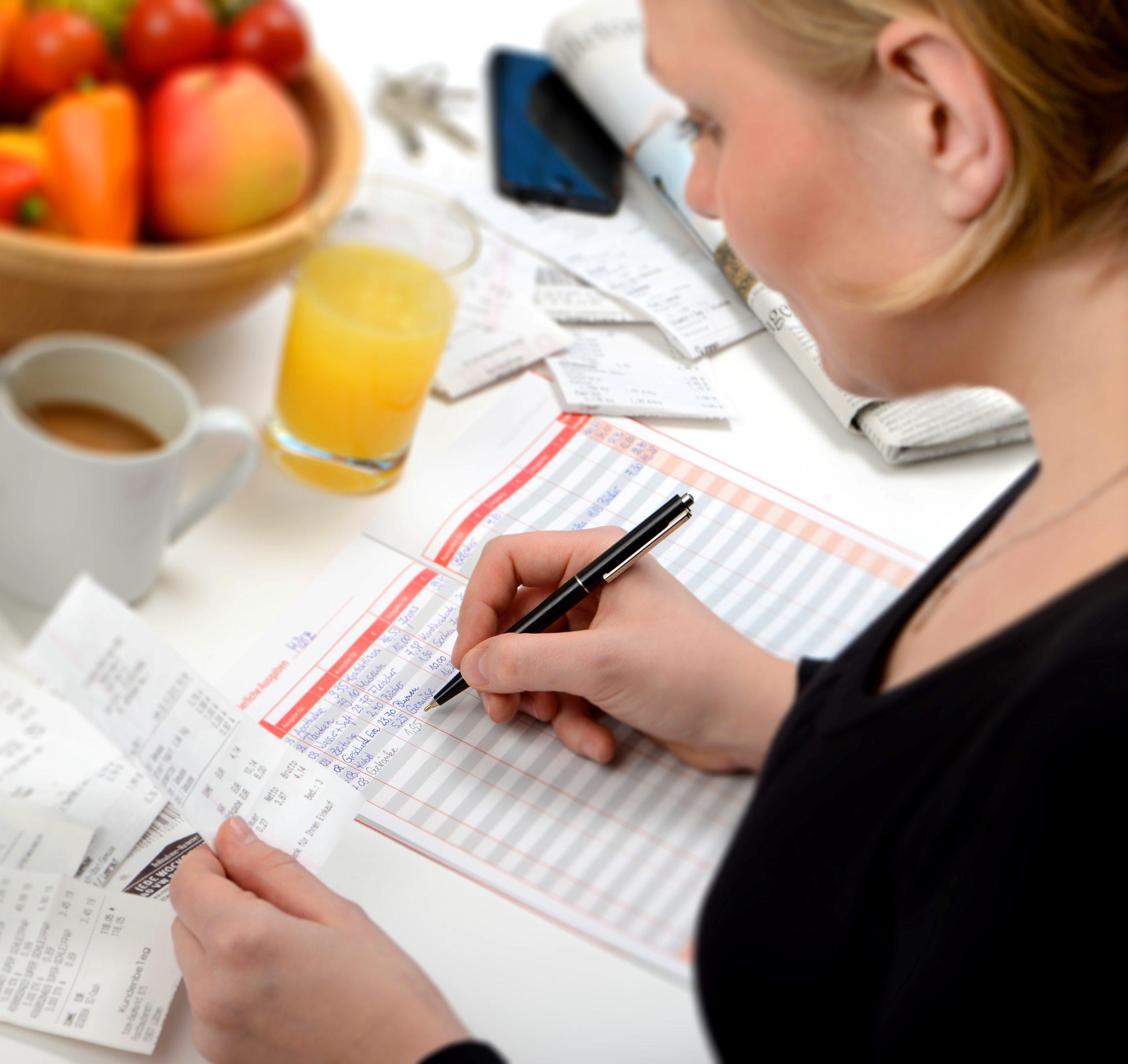 Leicht den Überblick über die eigenen Finanzen behalten. Foto: obs/Geld und Haushalt - Beratungsdienst der Sparkassen-Finanzgruppe