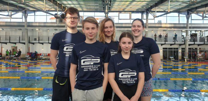 Räumten bei den Verbandsmeisterschaften in Küllenhahn ab: Die fünf aktiven Schwimmer*innen der SG Remscheid. Foto: Michelle Jünger