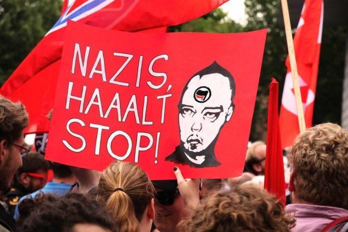 Antifa bedeutet Antifaschismus, ist also die gebotene Grundhaltung in jeder Demokratie.