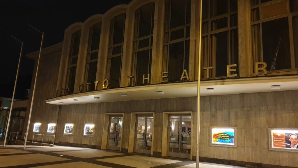 Das Teo Otto Theater befindet sich in der Konrad-Adenauer-Straße 31-33 in 42853 Remscheid. Foto: Sascha von Gerishem