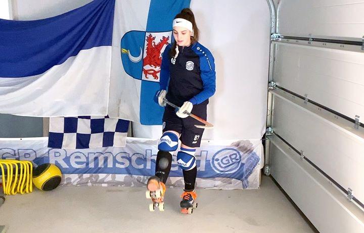 IGR-Spielerin Anna Behrendt trainiert in der Garage. Foto: IGR Remscheid