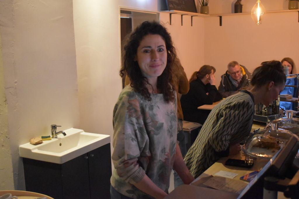 Melanie Rothe bei der Eröffnung vom ersten Unverpacktladen in Remscheid. Foto: Peter Klohs