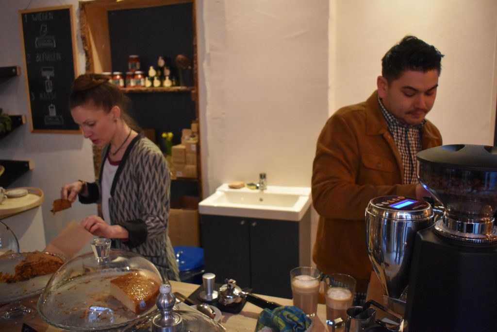 Teamerbeit im Urginell & Unverpackt im Kaffeehaus. Foto: Peter Klohs