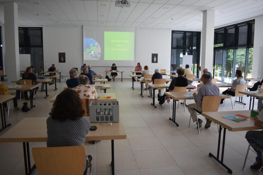 Die Remscheider Grünen tagten im Neuen Lindenhof am Honsberg. Foto: Peter Klohs